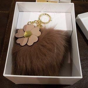 LG Pom Pom W flowers Fur